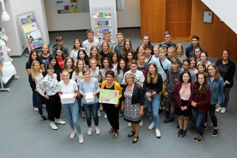 Öffentlich-Stiftisches Gymnasium Bethel nimmt Preis für Beiträge zur Digitalen Friedensausstellung entgegen